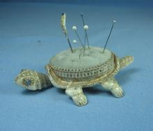 FLORENZA nodder Turtle Pin Cushion - Vintage sewing collectible