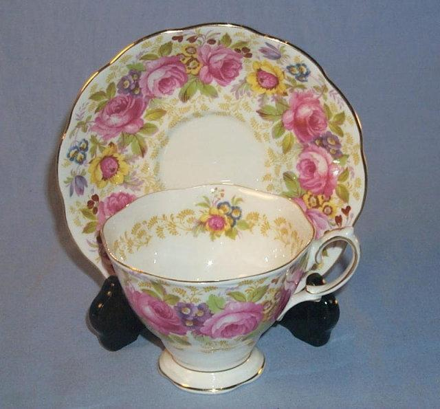 Royal Albert SERENA Porcelain Cup & Saucer Set.