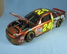 Jeff Gordon 1998 DUPONT ChromaLusion Die Cast Replica NASCAR Race Car -