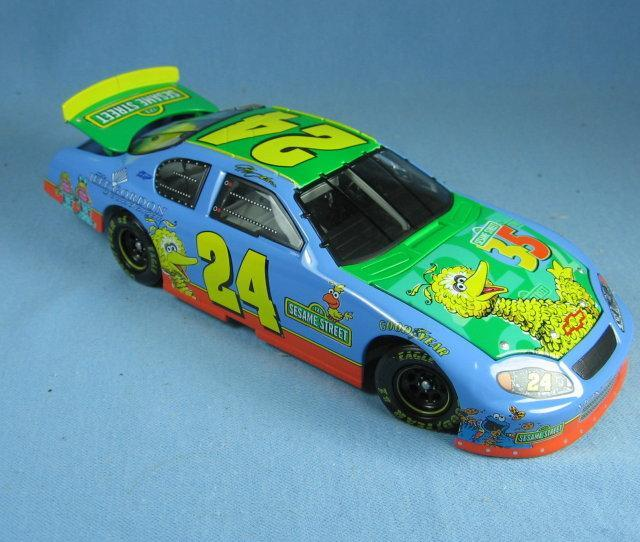 1:24 ACTION 2004 #24 SESAME STREET BIG BIRD JEFF GORDON FOUNDATION MONTE CARLO