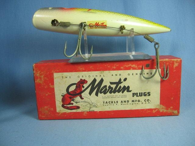 MARTIN Fish Lure ~ Muskie PLUG or Slat Water Sporting Fishing Bait with Box