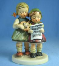 Hummel CLOSE HARMONY 1964 Musicial Figurine - porcelain