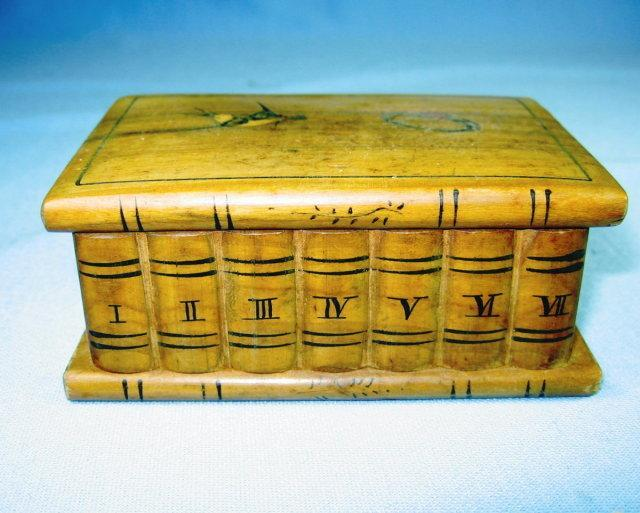 Hand Carved Wood TRINKET BOX - Vintage Woodenware
