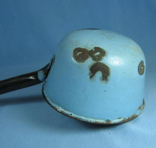 Blue GRANITEWARE Water Dipper or Ladle - Antique metalware