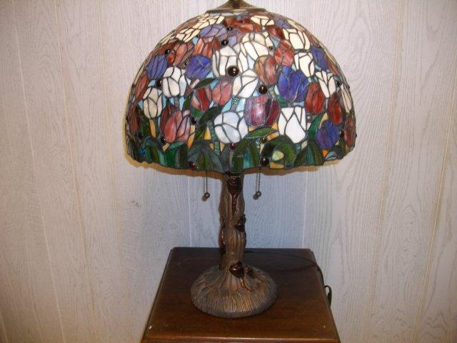 Leaded Glass Antique style Table Lamp