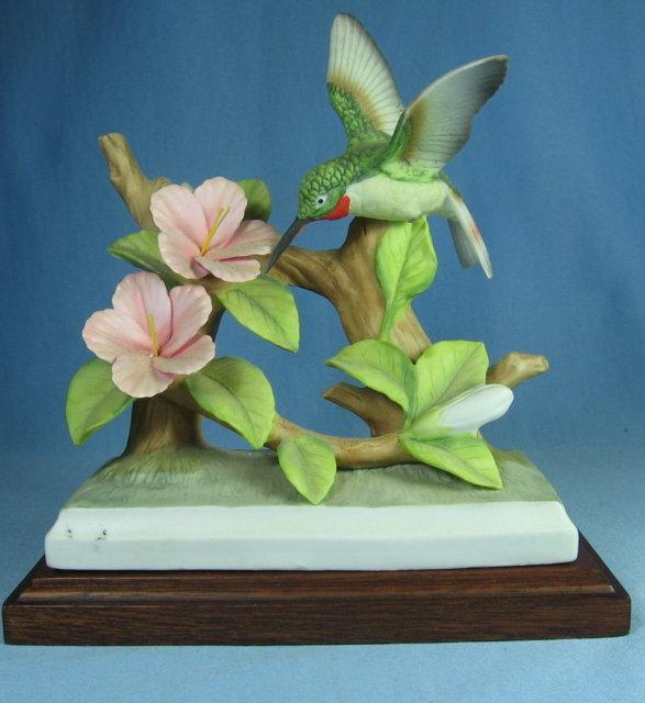 Lefton HUMMING BIRD Porcelain Sculpture - Vintage with Original Label