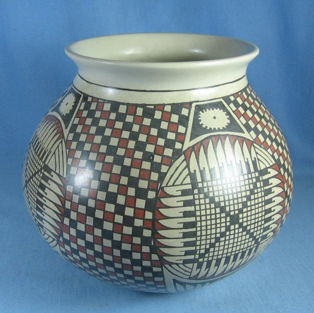 Mata Ortiz Artist Signed Indian POT - Vintage Ethnographic Pottery by Paty Ortiz