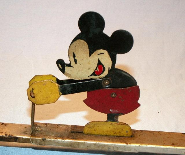 MICKEY MOUSE Popcorn Popper   - Metalware
