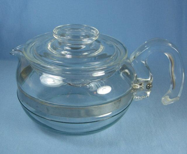 Vintage Pyrex Flameware 6 cup TEAPOT   - glass kitchenware