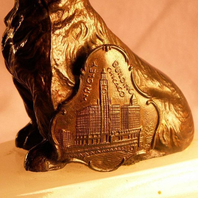 Plaque of WRIGLEY Building Chicago SCOTTIE DOG Oynx Ashtray - Tobacciana