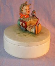 Colorful HUMMEL #III/110 Let's Sing Porcelain Box
