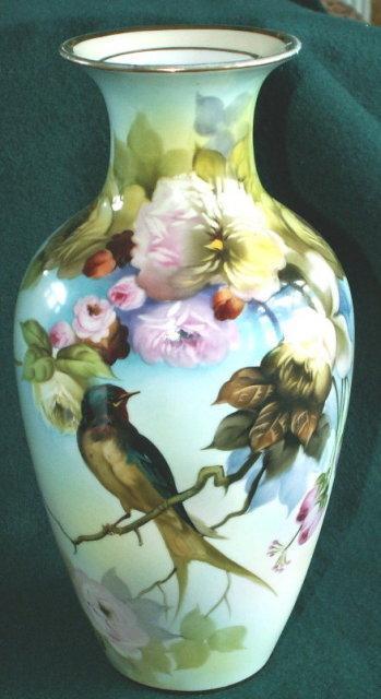 Beautiful Noritake BARN SWALLOW Porcelain Hand Painted  Vase