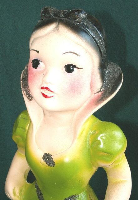 SNOW WHITE Carnival Chalkware Figurine - Toys