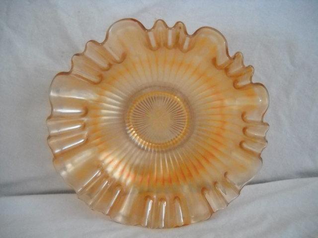 carnival glass,vintage
