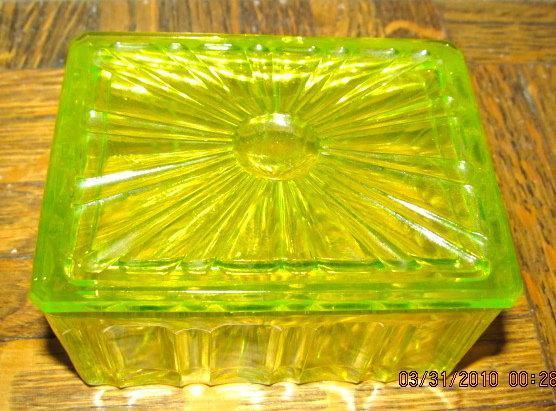 Vaseline Uranium Knife Rest - Glass