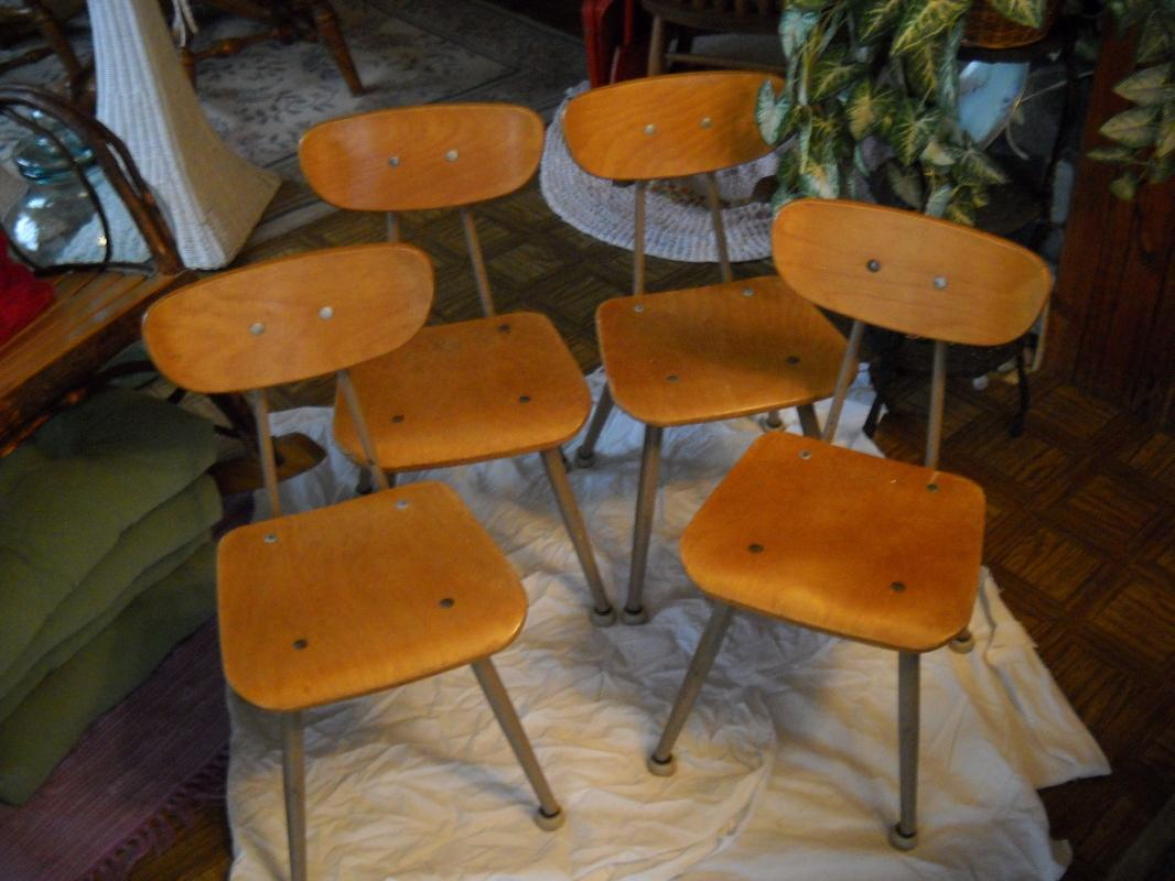 Vintage childern school chairs. Set of 4