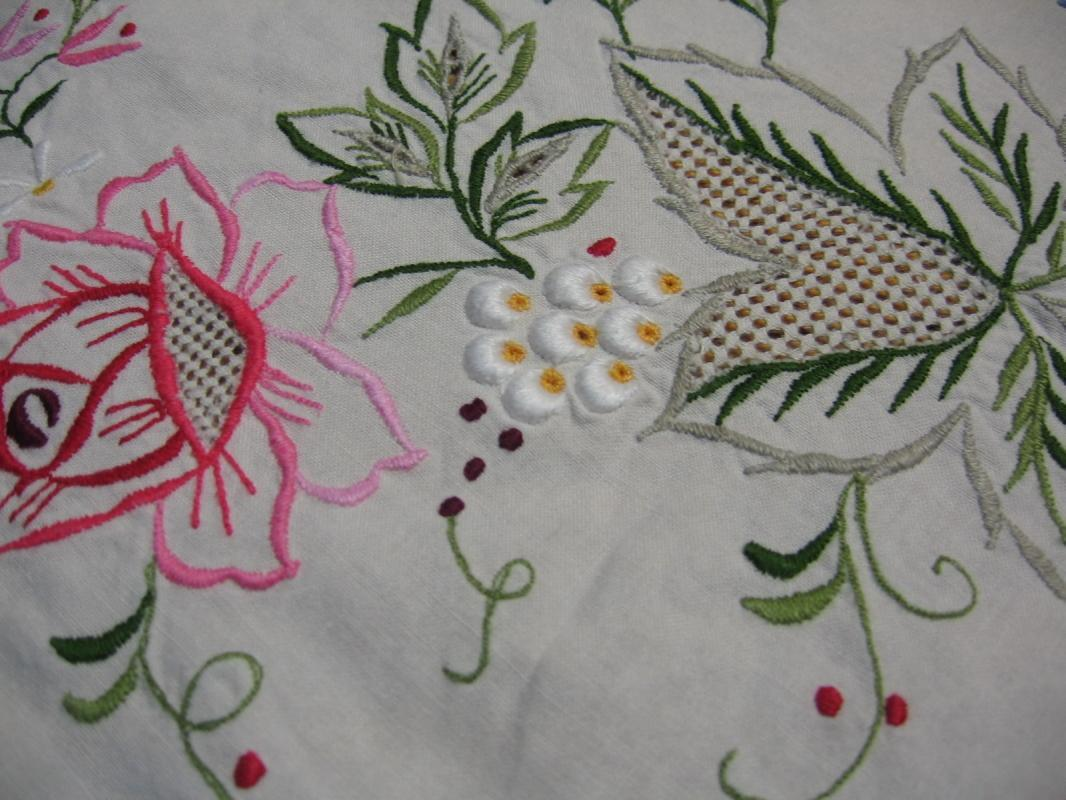 Irish Linen Embroidered Needlepoint Tablecloth and Matching Napkins  - Vintage Textile