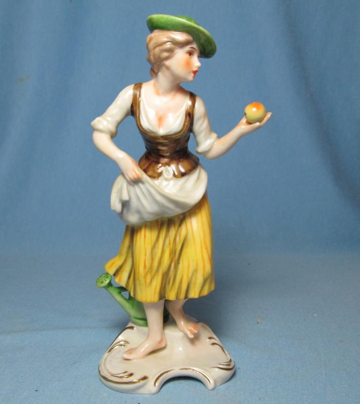 Goebel APPLE GIRL Figurine #FR28 - Vintage Bochmann Germany Porcelain Figure
