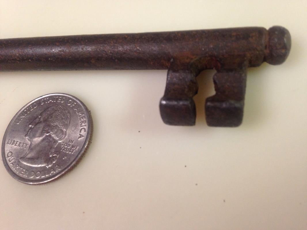 6 Inch JAIL HOUSE KEY Cast Iron - Metalware