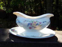 SCAMMELL GRAVY BOAT WITH ATTACHED PLATE