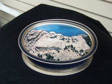 SUNSHINE BISQUITS NIAGARA FALLS/MT. RUSHMORE TIN PRICE REDUCED!!!