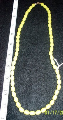 YELLOW OBLONG BEAD NECKLACE