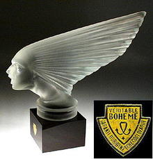 VINTAGE GLASS HOOD ORNAMENT CAR MASCOT VICTOIRE