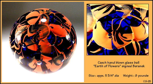 SIGNED CZECH DESIGNER STUDIO GLASS SPHERE