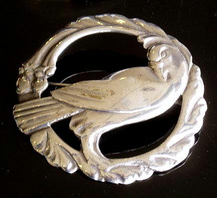 VINTAGE STERLING SILVER DOVE BROOCH SL003