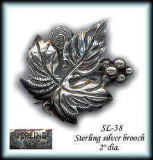VINTAGE STERLING LEAF/GRAPES  BROOCH SL038