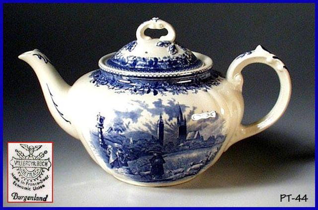 VILLEROY BOCH METTLACH TEA POT / PT044
