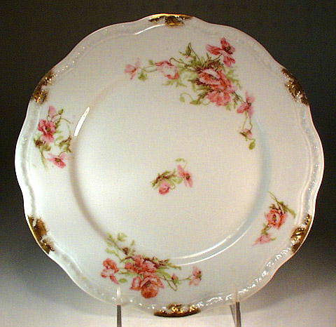 6 GORGEOUS LIMOGES GOLD FLORAL PLATES / PR036A