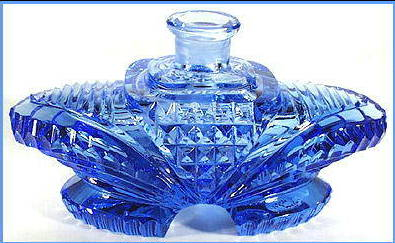 FEMALE LOVERS & PEARLS BLUE GL PERFUME BOTTLE