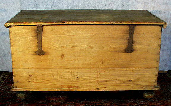 AUTHENTIC PAINTED BLANKET CHEST c. 1800-50 /
