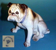 GERMAN PORCELAIN BULLDOG FIGURINE / FG017D