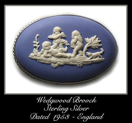 VINTAGE 1953 STERLING WEDGWOOD PUTTI BROOCH #107