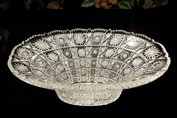 GORGEOUS CZECH CUT CRYSTAL BOWL QUEENS LACE