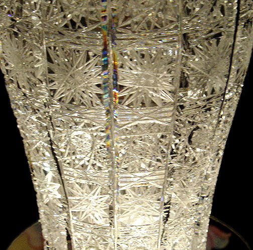 BEAUTIFUL CZECH CUT CRYSTAL VASE QUEENS LACE