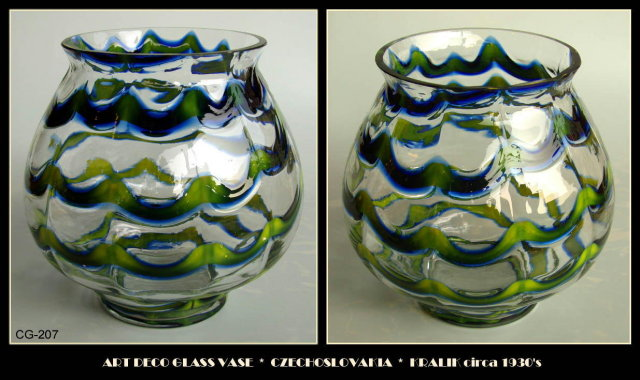CZECH ART DECO GLASS VASE KRALIK c.1930 CG207