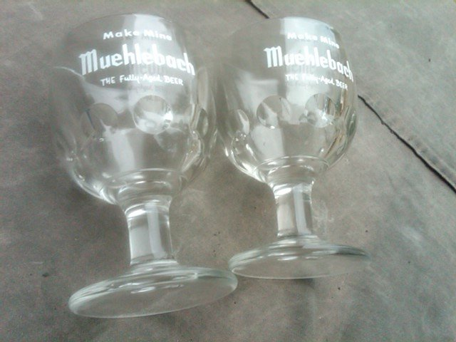 MUEHLEBACH BEER GLASS STEM KANSAS CITY MISSOURI HOTEL BAR COLLECTIBLE COCKTAIL LOUNGE UTENSIL