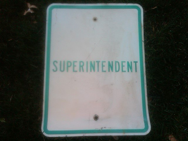 SUPERINTENDENT PARKING SPOT SIGN GARAGE WALL ORNAMENT DRIVEWAY DECORATION