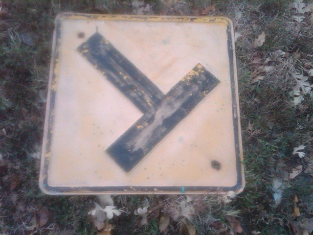 T HIGHWAY ROAD INTERSECTION WARNING SIGN WALL DOOR DECORATION PRESS STEEL LETTER STYLE DEPRESSION ERA ROADWAY FIXTURE