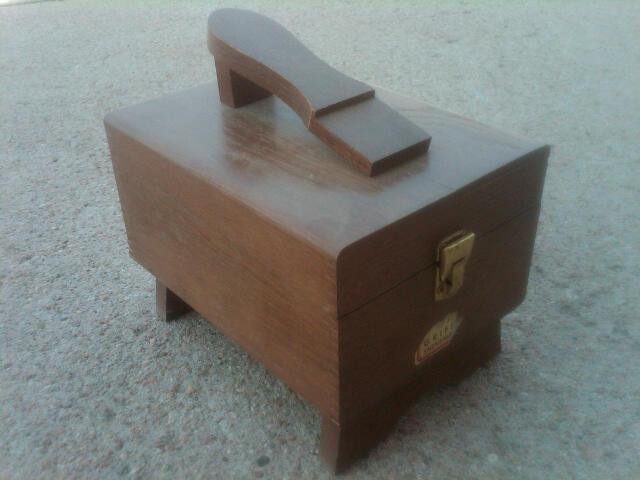 OAK WOOD SHOE SHINE BOX BOOT FOOTWEAR CARE STORAGE CASE HINGED TRUNK