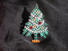 EISENBERG GREEN CHRISTMAS TREE BROOCH LAPEL PIN MOVING GARLAND STYLE JEWELRY