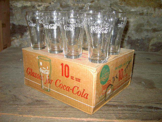 COKE FOUNTAIN GLASS COCA COLA BELL SHAPED TUMBLER SET ORIGINAL BOX