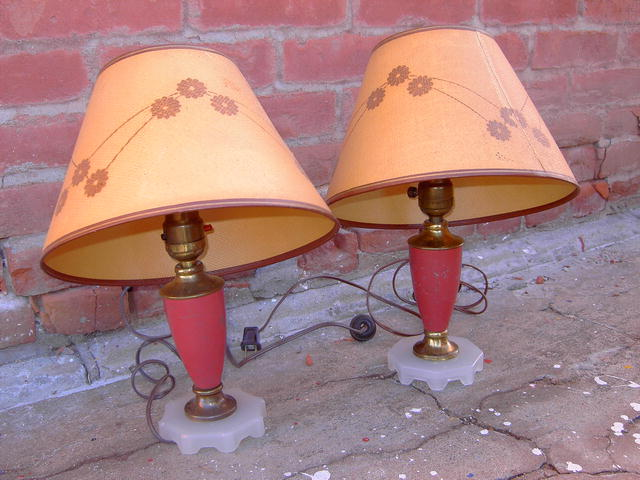 PINK PAINTED METAL TABLE LAMP WHITE GLASS BASE MATCHING DRESSER TOP LIGHT FIXTURE WITH FLOWERED SHADE