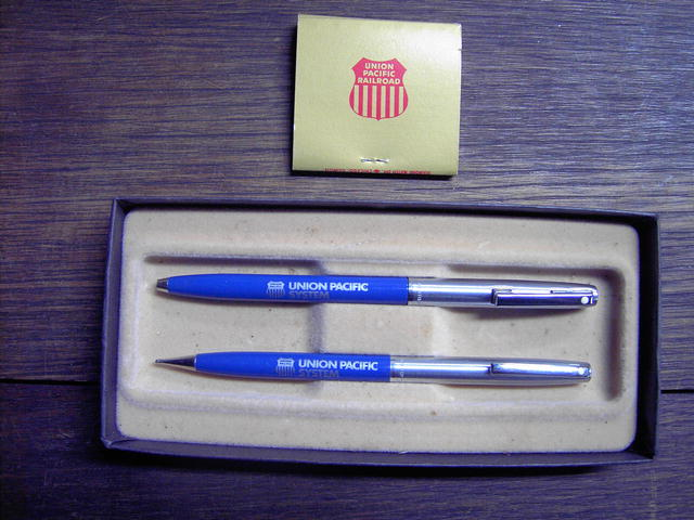UNION PACIFIC RAILROAD PEN PENCIL MATCHBOOK SHAEFFER DIAMOND MATCH CHICAGO