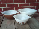 PYREX MIXING BOWL NESTING STYLE GLASS DISH EARLY AMERICAN BROWN GOLD WHITE COLOR TONE