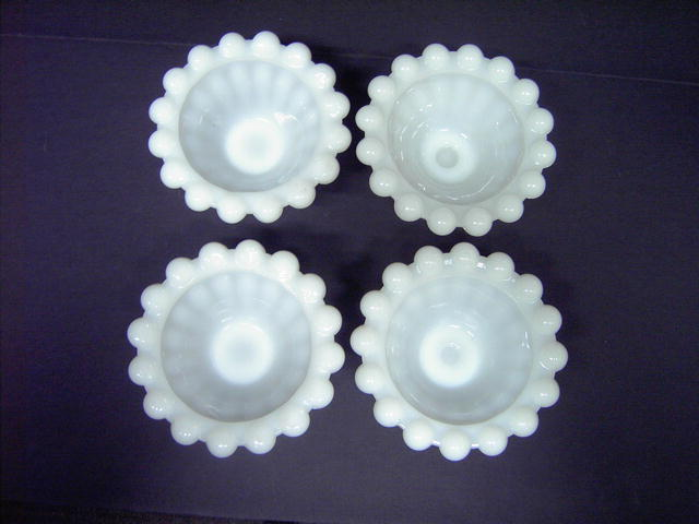 CANDLEHOLDER WHITE MILK GLASS PEARL TEARDROP