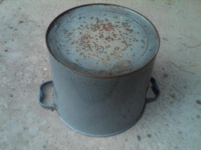 GREY GRANITE BUCKET ENAMEL WARE KITCHEN PAIL AMERICAN DEPRESSION ERA HOUSEHOLD TOOL HANDLED SCRUB TUB